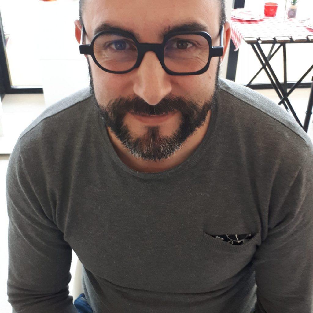 Opticien à Bidart - Bidart Optik - lunettes sur-mesure Bidart -lunettes rond carre